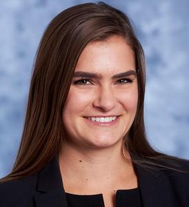 Image of Courtney Alpeter, Senior Associate, Specialty Finance
